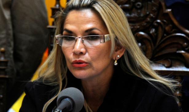 Bolivya'da darbe yönetimi Küba ile diplomatik ilişkileri durdurdu