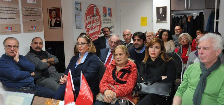 """Berlin CHP Birliği """"Adalet ve Demokrasi """"konulu konferans düzenledi"""