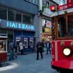Halkbank'a ABD'de katılmadığı duruşmalar için milyonlarca dolar ceza istendi