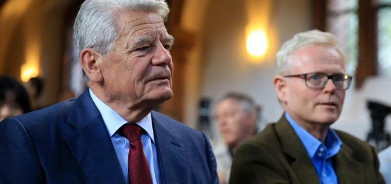 Gauck: Erdoğan'ın desteğine ihtiyacımız var