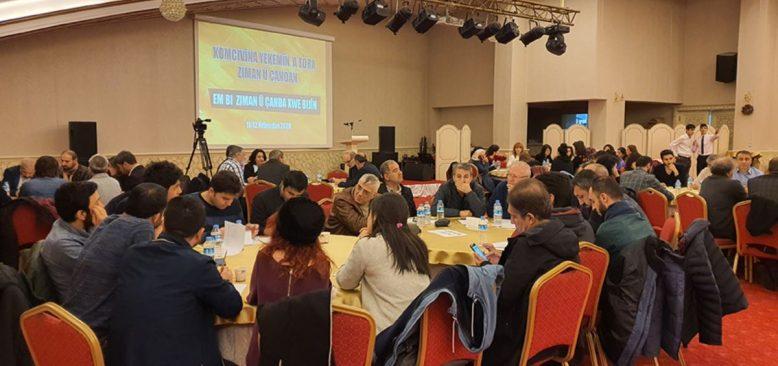 Kürtler Kürtçe'nin Geleceğini Tartışıyor