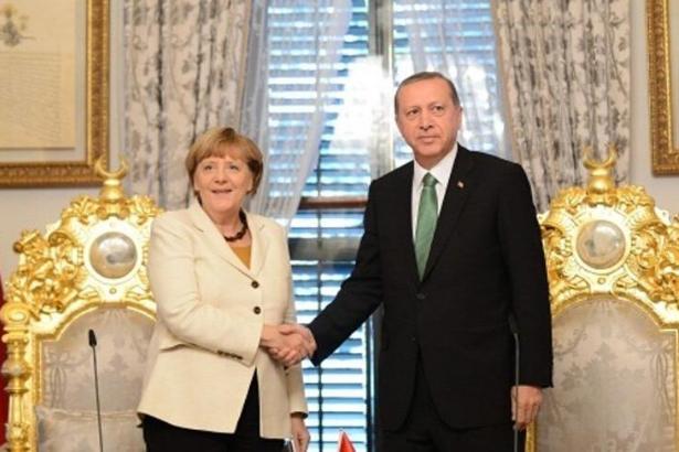 Merkel yarın Türkiye'ye geliyor