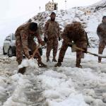 Pakistan'da yoğun kar yağışı nedeniyle 83 kişi yaşamını yitirdi
