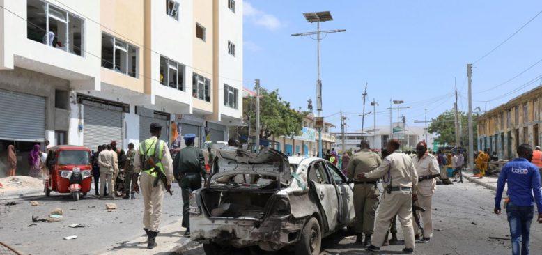 Somali'de Türk Mühendislerin Yemek Yediği Restauranta Bombalı Saldırı