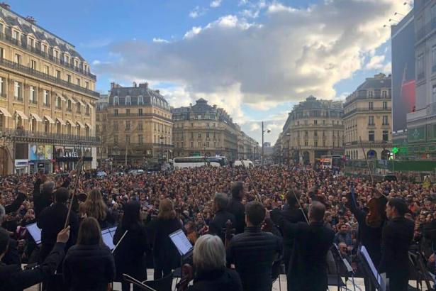 VİDEO I Paris Orkestrası'ndan eylemlere destek konseri