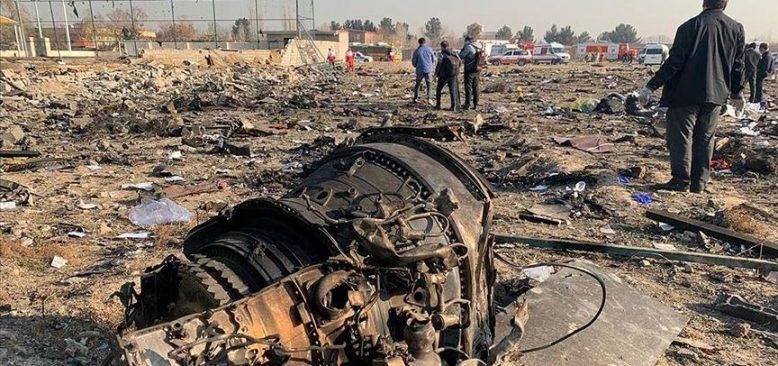 İran'da yolcu uçağı düştü,176 kişi hayatını kaybetti