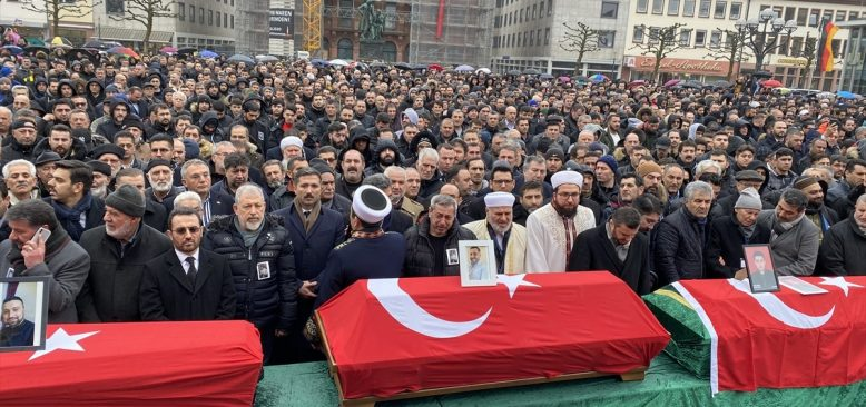 Hanau'daki ırkçı terör kurbanları için cenaze töreni düzenlendi