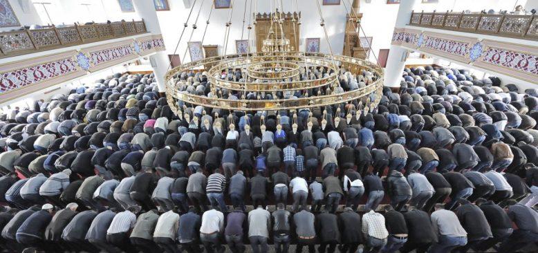 Almanya'da Camilere Saldırıya Hazırlanan Grup Engellendi