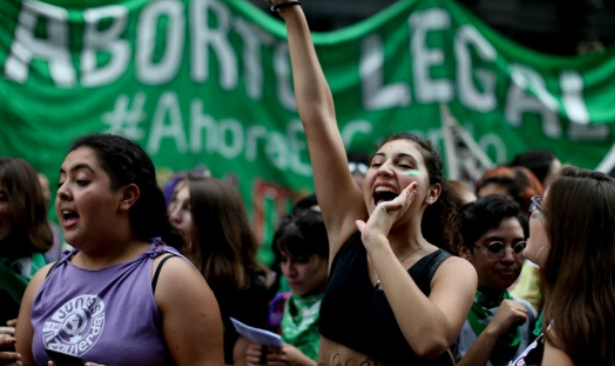 Arjantin kürtajı yasallaştırmak için adım atacak