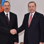 Azerbaycan'da seçimleri Aliyev'in partisi kazandı