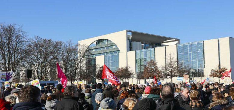 AfD ile işbirliği içerisine giren CDU ve FDP kınadı