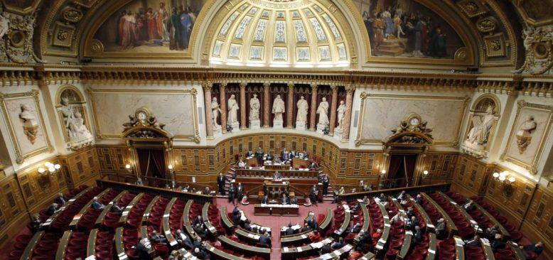 Fransa'da Din Kökenli İstisna Taleplerine Son Veren Yasa Önerisi