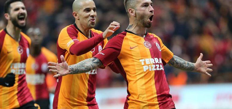 Galatasaray ikinci yarıda şampiyonluk yarışına ortak oldu