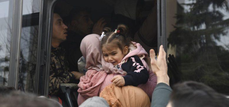 Mülteci Örgütlerinden Kontrolsüz Geçiş Uyarısı