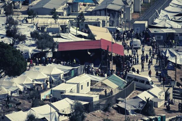 Midilli ve Sakız'da yeni sığınmacı kamplarına karşı çıkan halka polis şiddeti