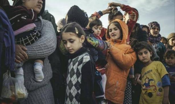 Sığınmacı gençler yiyecek ve barınma ihtiyaçları için fuhuşa zorlanıyor