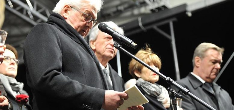 Almanya'daki ırkçı terör saldırısında hayatını kaybedenler için anma töreni