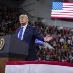 Trump'ın konuşma metnini yırtıp attı: Alternatifi düşünülürse, ben nazik olanı yaptım