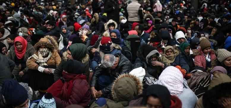 Avrupa'ya geçmek isteyen düzensiz göçmenlerin zor şartlardaki bekleyişi sürüyor