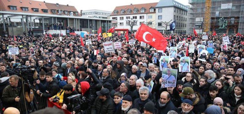 Hanau'da binler ırkçılığa ve nefrete karşı yürüdü