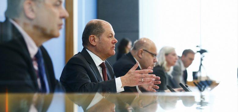Ekonomiyi kurtarmak için 750 milyar Euroluk paket onaylandı