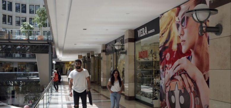 Türkiye'de AVM ve Restoranlar Hariç Her Yer Kapatılıyor