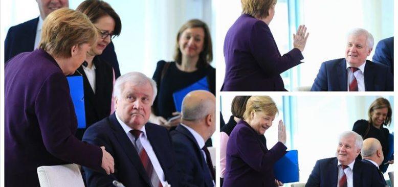 Seehofer, koronavirüs nedeniyle Merkel'in elini sıkmadı