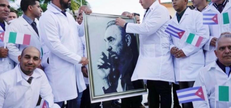 Küba, İtalya'da salgından en kötü etkilenen bölgeye doktor gönderdi