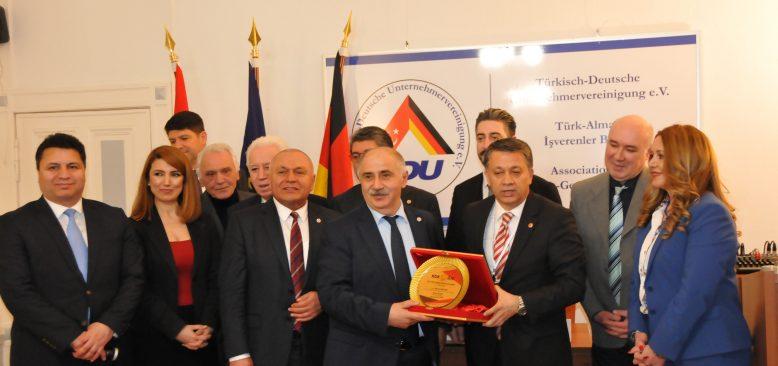 Küresel Gazeteciler Konseyi ile Berlinli gazeteciler TDU`da buluştu