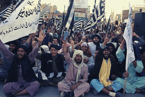 Taliban, Afgan güçlerine karşı kısmi ateşkesi sonlandırdı