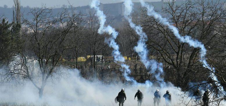 Yunanistan Sınırda Göçmenlere Müdahaleyi Sürdürüyor