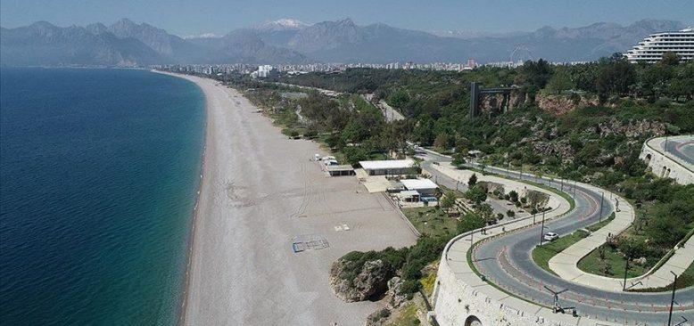 Turizmin gözde kentleri Antalya ve Muğla sessiz günler yaşıyor