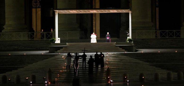 Vatikan'da 'Haç Yolu Ayini' yapıldı