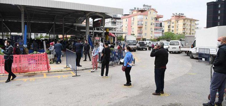 Antalya'da semt pazarlarında