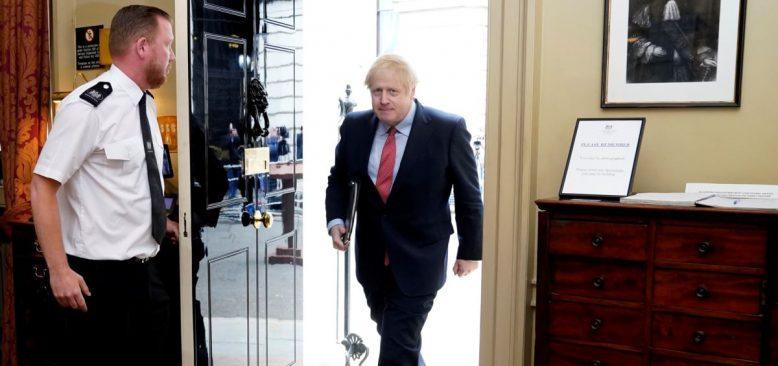 İngiltere Başbakanı'nın Önlemleri Hafifletme Planı Tartışma Yarattı