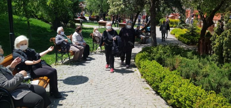 Türkiye: 65 Yaş Üstündekiler Günler Sonra Sokağa Çıktı