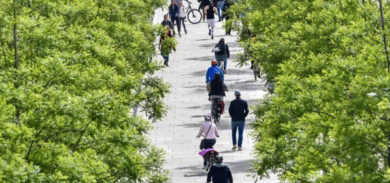 Almanya'da Önlemlerin Gevşetilmesi Tartışması Sürüyor