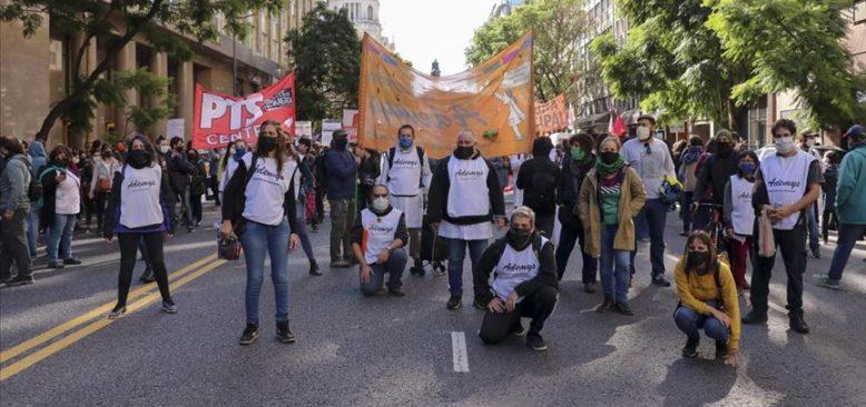 Arjantin'de karantina protestolara engel olamadı