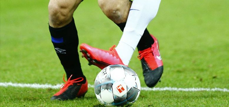 Bundesliga'da perde yarın yeniden açılıyor