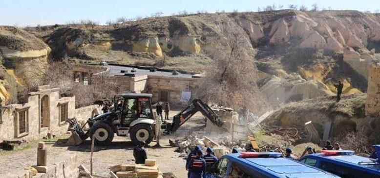 Kapadokya'daki kaçak yapılar yıkıldı
