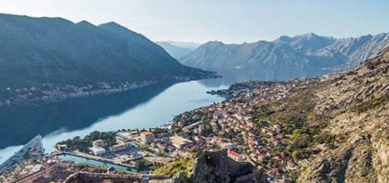 Karadağ, ülkeyi 18 Mayıs´ta turistlere açmayı planlıyor