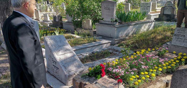 Kılıçdaroğlu, Deniz Gezmiş, Yusuf Aslan ve Hüseyin İnan'ın mezarlarını ziyaret etti
