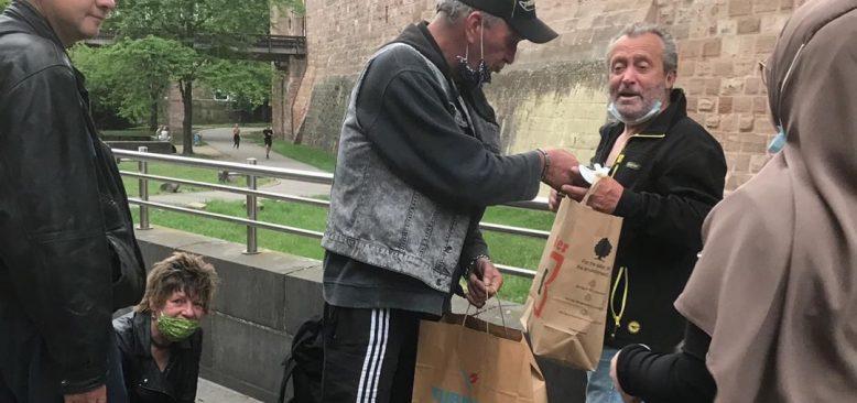 UID Kuzey Bavyera gençlik kolu evsizlere yardımda bulundu