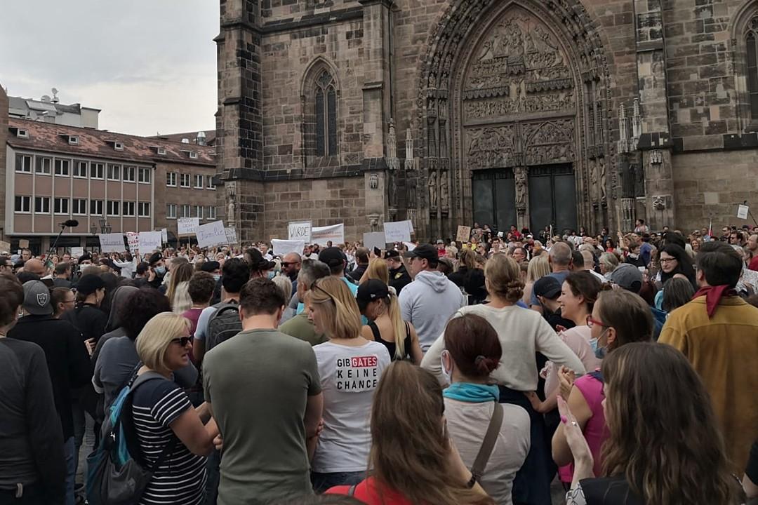 Nürnberg Lorenz Kilisesi Önündeki Gösteriler Yasaklanıyor