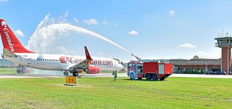 Corendon Airlines Zonguldak Havalimanına İlk Yolcularını İndirdi