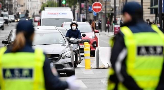 Fransa'da can kaybı 29 bin 633'e yükseldi