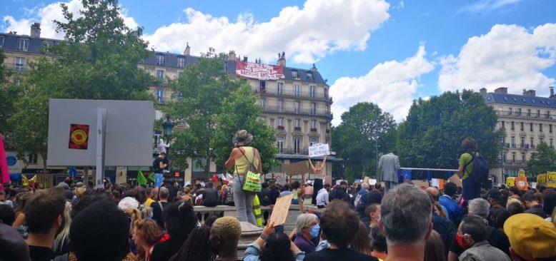 Fransa'da Polis Şiddetine Karşı 'Gergin' Gösteriler