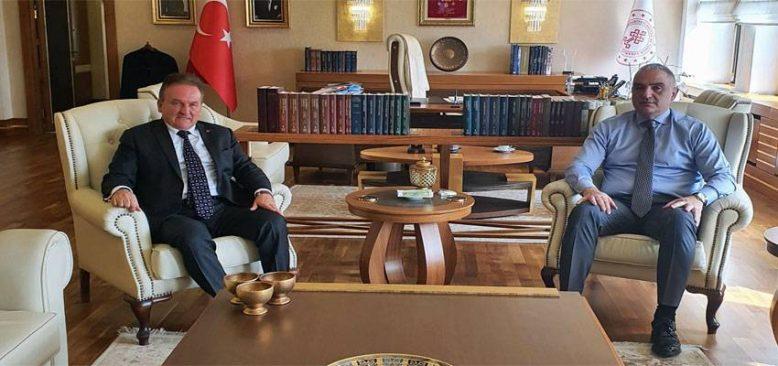 Baraner`den Müjde: Türkiye yurtdışından gelenlere yönelik karantinayı kaldıracak