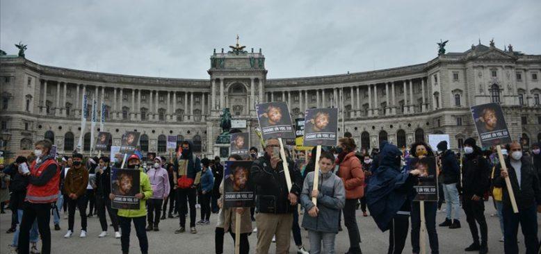 Avusturya'da 'Dünya Mülteciler Günü'nde' ırkçılık karşıtı gösteri