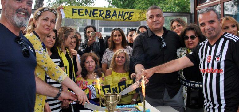 Hamburg Fenerbahçe 'Dünya Fenerbahçeliler Günü'nü kutladı